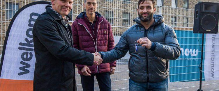 Eerste sleutel overhandigt aan kopers in project Wildenborgh