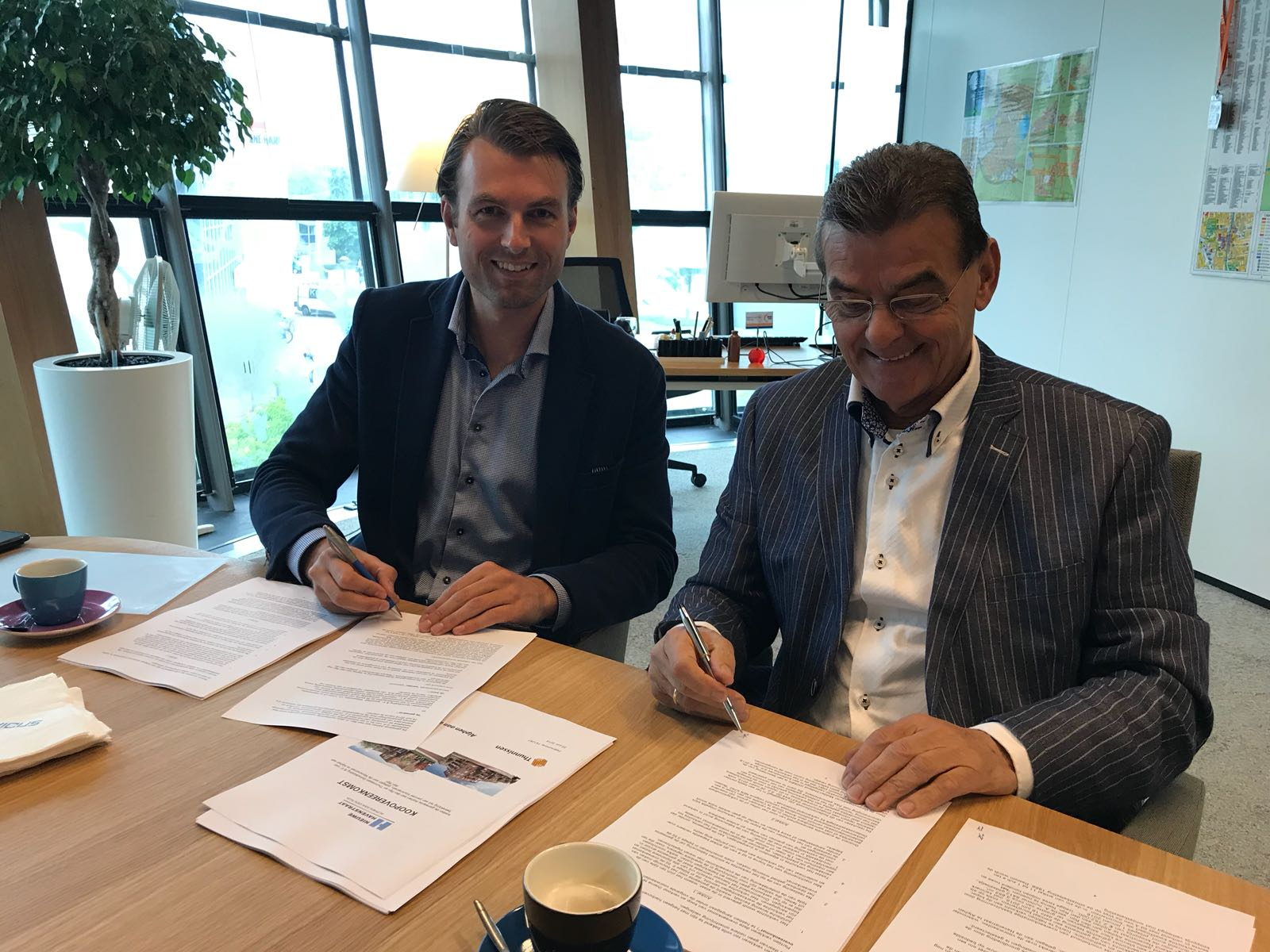 Ondertekening koopovereenkomst Havenstraat in Alphen aan den Rijn