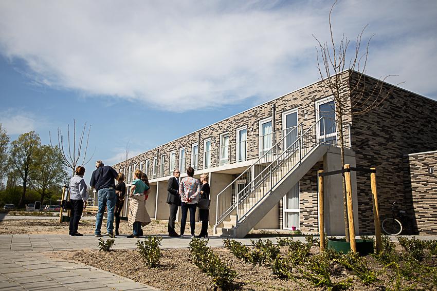 Feestelijke oplevering 60 sociale huurwoningen aan de Kaj Munkweg en Hoofdweg in Hoofddorp