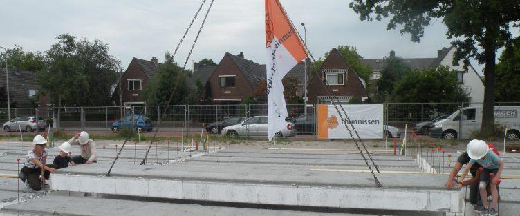 Feestelijke starthandeling  Nieuwe Havenstraat in Alphen aan den Rijn