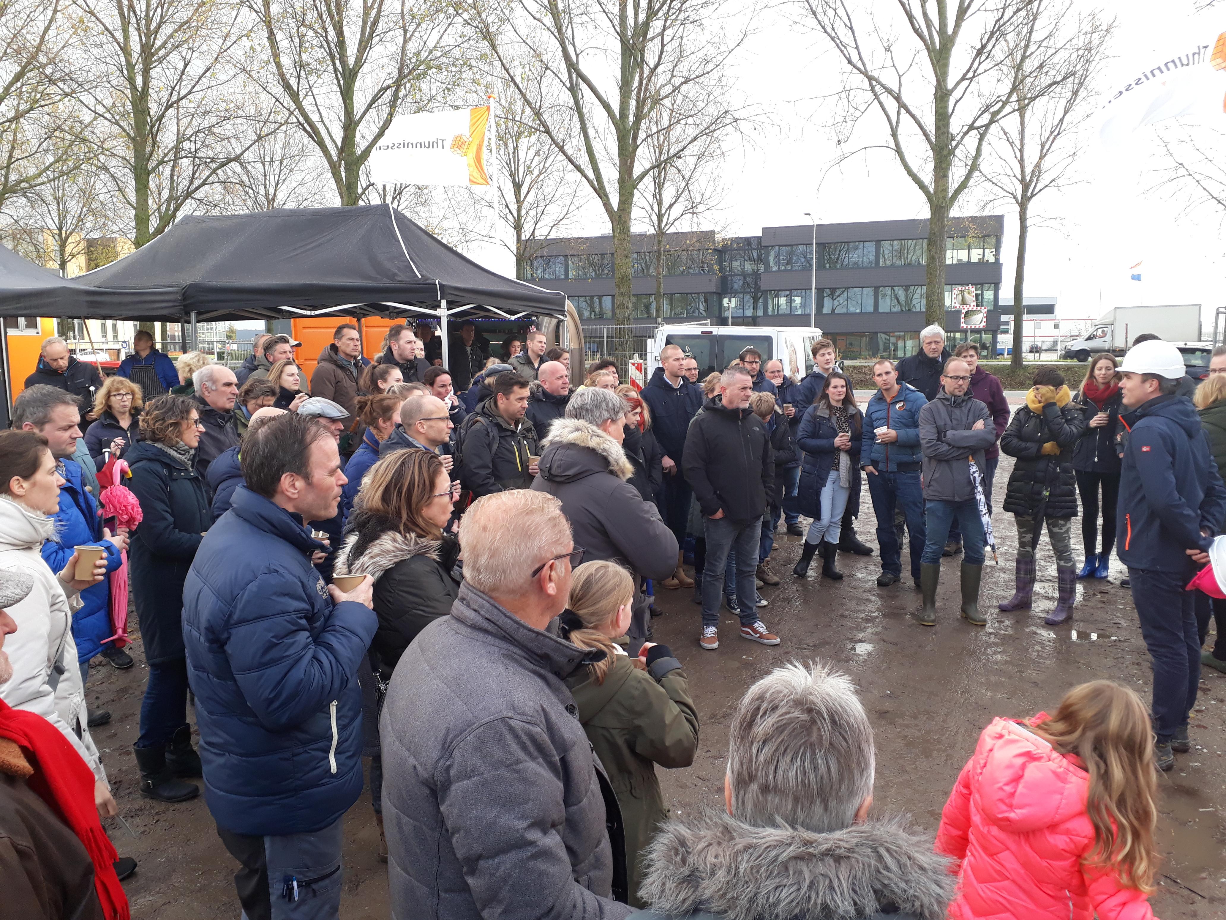 Feestelijke start bouw 30 boerderijwoningen Margaretha's Hoeve in Nieuw Vennep