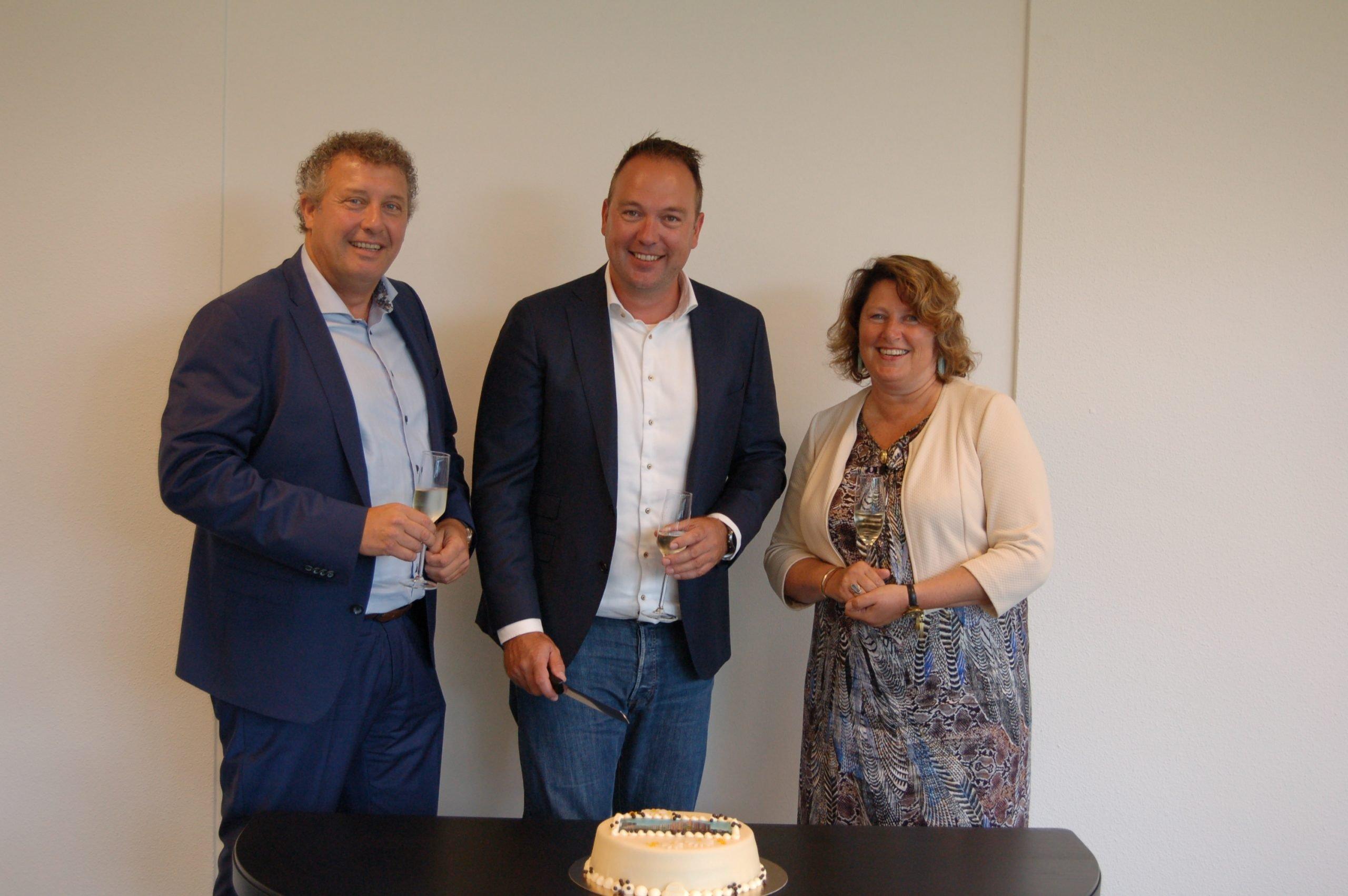 Timpaan en Ontwikkeladviseur tekenen met Thunnissen de bouwteamovereenkomst voor 163 woningen naast station Kogerveld in Zaandam